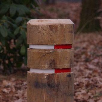 Reflector poles